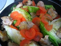 チキンとキャベツの蒸し焼き煮..jpg
